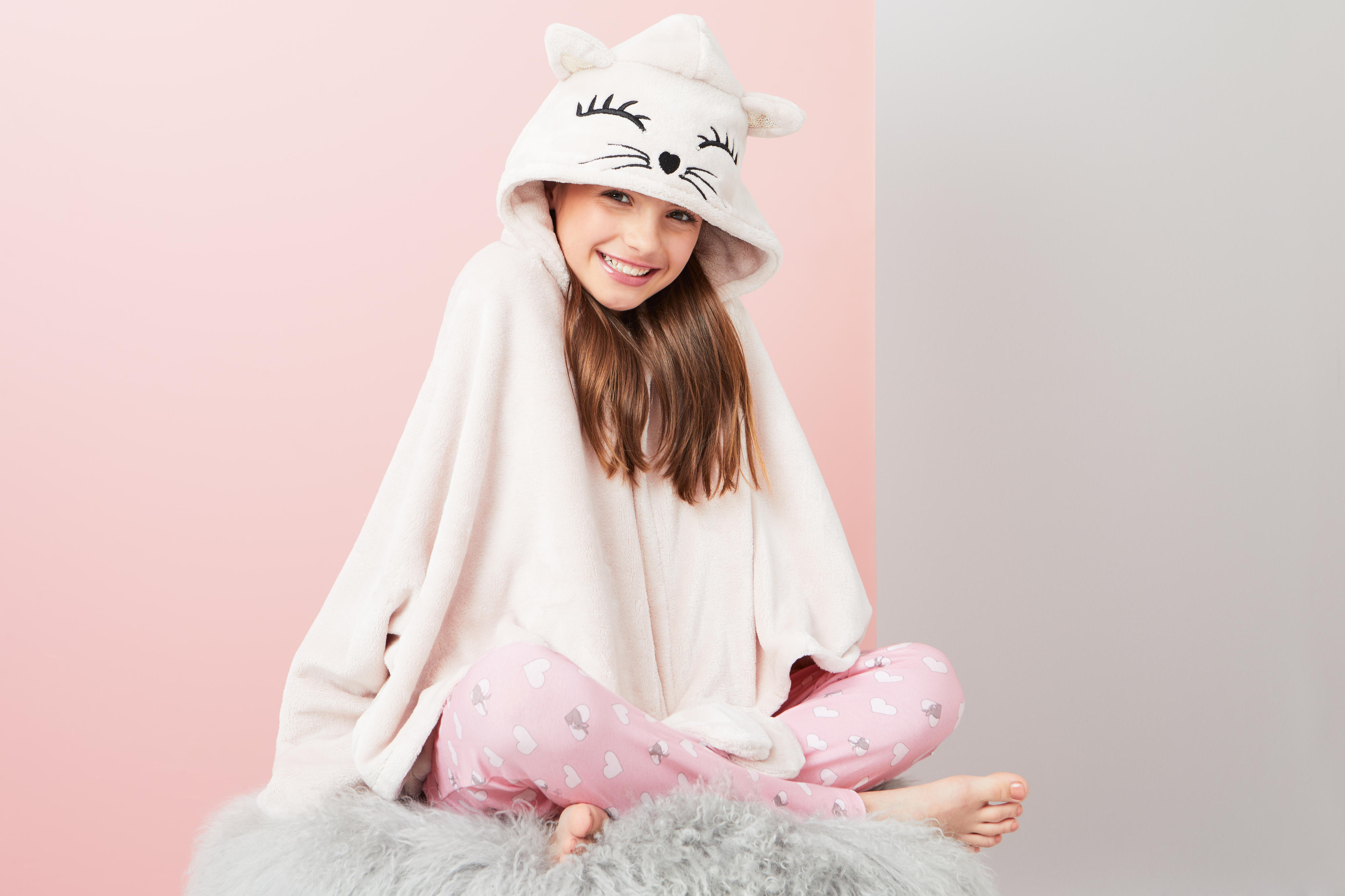 Lipsy girl hooded blanket